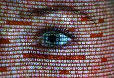 Le Parlement européen espère un accord rapide avec les Etats-Unis sur le renforcement de la protection des données personnelles après un vote intervenu en commission qui prévoit de lourdes amendes contre les entreprises violant les règles. /Photo d'archives/REUTERS/Pawel Kopczynski