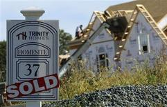 Un proyecto habitacional en Glenelg, EEUU, sep 25 2013. El gasto en construcción en Estados Unidos alcanzó un máximo nivel en casi cuatro años y medio en agosto, impulsado por aumentos tanto en desembolsos públicos como privados, en una señal esperanzadora para el crecimiento económico en el tercer trimestre. REUTERS/Gary Cameron