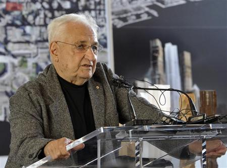 Architect Frank Gehry speaks during a news conference to announce an arts and condo complex to be built on the King St. West site of the Princess of Wales Theatre in Toronto October 1, 2012. REUTERS/Mike Cassese