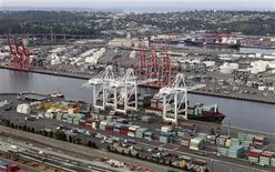 Los muelles de la bahía de Seattle, EEUU, ago 21 2012. Los precios de las importaciones en Estados Unidos subieron en septiembre por segundo mes consecutivo debido a un incremento del costo del petróleo, pero no había señales de alzas en las presiones inflacionarias sobre las compras al exterior. REUTERS/Anthony Bolante