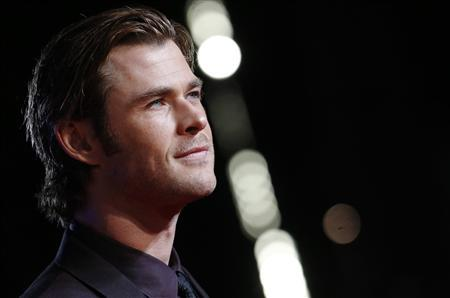 Actor Chris Hemsworth arrives for the world premiere of ''Thor : The Dark World'' at Leicester Square in London October 22, 2013. REUTERS/Luke MacGregor