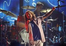 Eddie Vedder of Pearl Jam performs at the taping of the third annual VH1 Rock Honors: The Who concert in Los Angeles in this July 12, 2008 file photo. REUTERS/Mario Anzuoni