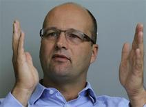Le directeur financier d'Unilever, Jean-Marc Huet, a déclaré à Reuters que le troisième trimestre a été en demi-teinte pour le fabricant de produits de grande consommation. Les ventes ont reculé de 3,2%, ce qui est néanmoins conforme aux prévisions. /Photo prise le 10 septembre 2013/REUTERS/Benjamin Beavan