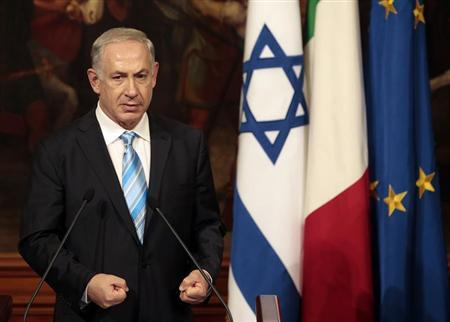 Israel's Prime Minister Benjamin Netanyahu gestures during a joint news conference with his Italian counterpart Enrico Letta during a meeting at Chigi Palace in Rome October 22, 2013. REUTERS/Tony Gentile