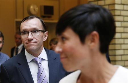 Norway's Foreign Minister Espen Barth Eide (L) and Chairman of the Foreign Affairs Committee in the Norwegian Parliament Ine Marie Eriksen Soreide prepare to speak to the media in Oslo, August 28, 2013. REUTERS/Cornelius Poppe/NTB Scanpix