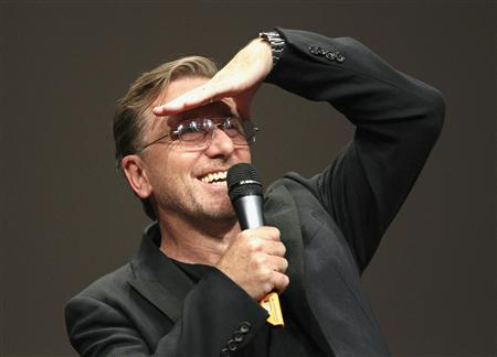 British actor and filmmaker Tim Roth gestures during a ceremony at the Lumiere 2013 Grand Lyon Film Festival in Lyon October 18, 2013. REUTERS/Robert Pratta