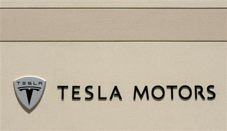 The logo for Tesla Motors is shown at the company headquarters in San Carlos, California in this June 30, 2008 file photo. REUTERS/Robert Galbraith/Files