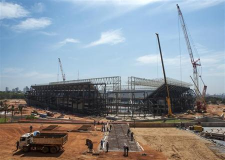 An overview of the Arena Pantanal stadium during a visit by FIFA Secretary General Jerome Valcke in Cuiaba October 8, 2013. REUTERS/Jose Medeiros