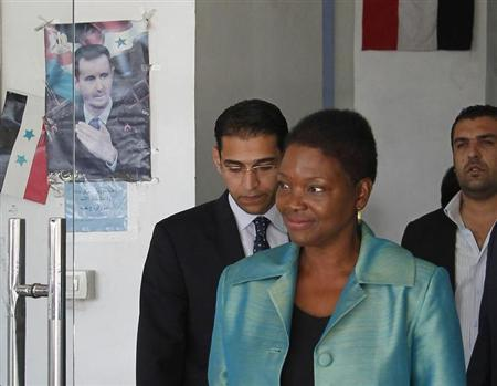 Top U.N. humanitarian official Valerie Amos leaves the Labour Ministry building after a meeting with Syrian officials in Damascus September 5, 2013. REUTERS/Khaled al-Hariri