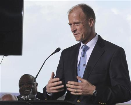 Thomas Enders, Chief Executive Officer of EADS speaks at a ground breaking ceremony for Airbus for its first U.S. assembly plant in Mobile, Alabama April 8, 2013. REUTERS/Lyle Ratliff