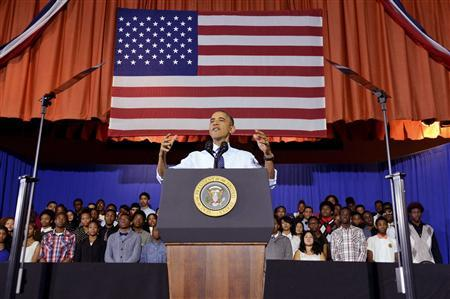 U.S. President Barack Obama speaks at the Pathways in Technology Early College High School in Brooklyn, October 25, 2013. REUTERS/Aaron Showalter/Pool