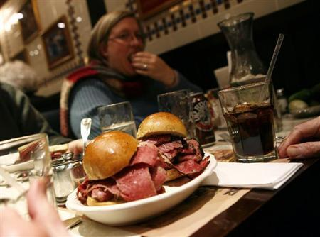A sandwich is seen on a plate at the Second Avenue Deli in New York December 17, 2007. REUTERS/Shannon Stapleton