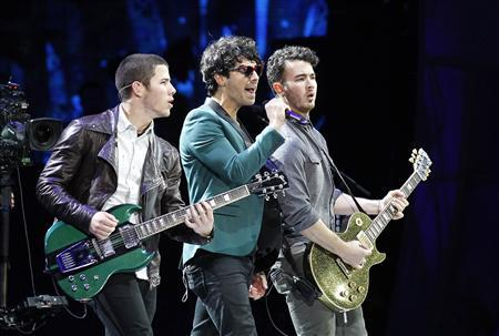 U.S. pop rock group The Jonas Brothers perform during the 54th International Song Festival in Vina del Mar city, about 121Km (75 miles) northwest of Santiago, Chile in this February 27, 2013 file photo. REUTERS/Eliseo Fernandez/Files