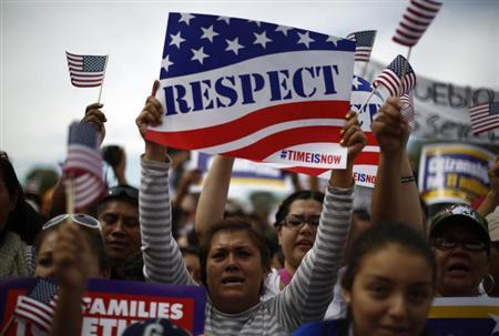 Protesters calling for comprehensive immigration reform gather on the Washington Mall, October 8, 2013. REUTERS/Jason Reed
