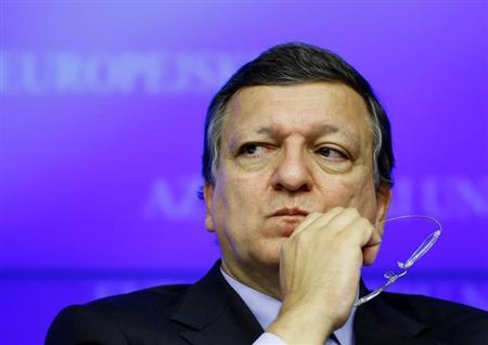 European Commission President Jose Manuel Barroso looks on at a news conference after a Tripratite Social Summit ahead of an EU leaders meeting in Brussels October 24, 2013. REUTERS/Yves Herman