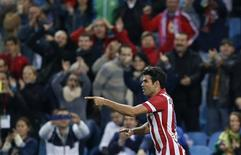 Atletico Madrid's Diego Costa celebrates his goal during their Spanish first division soccer match against Betis at Vicente Calderon stadium October 27, 2013. REUTERS/Juan Medina