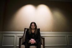 Actor Jared Leto poses for a portrait in Los Angeles, California October 17, 2013. REUTERS/Lucy Nicholson