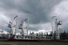 Вид на производственный комплекс на газовом месторождении Ковыкта в Иркутской области. Газохимический холдинг Сибур планирует покупать переработанный газ у проектируемого Газпромом газохимического завода на Дальнем Востоке, следует из меморандума, подписанного двумя компаниями. REUTERS/Handout