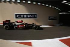 Lotus F1 Formula One driver Kimi Raikkonen of Finland drives during the first practice session of the Abu Dhabi F1 Grand Prix at the Yas Marina Circuit in Abu Dhabi November 1, 2013. REUTERS/Steve Crisp