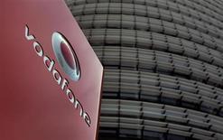 Sede da Vodafone em Duesseldorf, Alemanha. As ações da Vodafone operavam em alta nesta sexta-feira após a Bloomberg relatar que a AT&T estava explorando estratégias para uma possível aquisição da operadora de telefonia móvel britânica. 12/09/2013. REUTERS/Ina Fassbender
