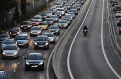Soutenues pour le deuxième mois consécutif par des subventions à l'achat, les ventes de voitures neuves ont augmenté de 34,4% en octobre en Espagne par rapport au même mois de 2012. /Photo d'archives/REUTERS/Susana Vera