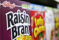 Cereales de Kellogg's en un supermercado en Nueva York, abr 29 2008. Kellogg Co reportó un aumento del 3 por ciento en sus ganancias trimestrales, ayudada por una caída en los costos de la producción de cereales, y dijo que recortará un 7 por ciento de su fuerza laboral para el 2017. REUTERS/Lucas Jackson/Files