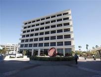 La casa matriz de Pimco en Newport Beach, EEUU, ene 26 2012. El fondo Total Return de Pimco registró salidas por 4.400 millones de dólares en octubre y eso le despojó su estatus como el mayor fondo mutuo del mundo, según mostraron el lunes datos de la firma Morningstar. REUTERS/Lori Shepler