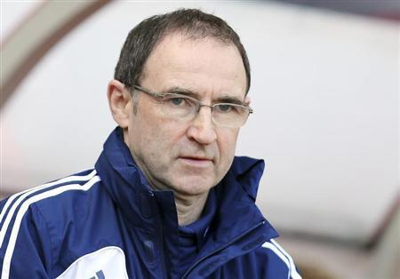 Sunderland's manager Martin O'Neill reacts ahead of their English Premier League match against Manchester United in Sunderland, northern England March 30, 2013. REUTERS/Nigel Roddis