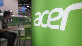 Le taïwanais Acer, quatrième fabricant mondial de PC, annonce un programme d'économies et la démission de son directeur général à l'issue d'un troisième trimestre qui s'est soldé par une perte plus forte qu'attendu. /Photo d'archives/REUTERS/Pichi Chuang