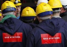 BAE Systems envisage de licencier 1.775 salariés de trois de ses chantiers navals britanniques et d'arrêter la construction navale sur son site de Portsmouth au second semestre de 2014. /Photo d'archives/REUTERS/David Moir
