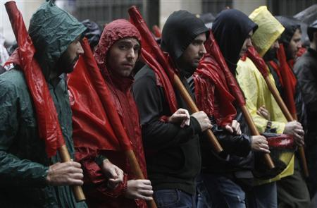 Rain dampens latest Greek strike against austerity