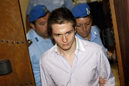 Raffaele Sollecito (C), the Italian man convicted of killing British student Meredith Kercher in Italy in November 2007, arrives at the court for his appeal trial session in Perugia September 30, 2011. REUTERS/Alessandro Bianchi