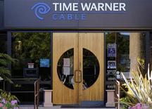Una oficina de Time Warner Cable en Carlsbad, EEUU, nov 5 2012. Time Warner Inc reportó el miércoles una ganancia mejor a la esperada en el tercer trimestre, impulsada por el crecimiento en las cuentas de publicidad y suscripciones en sus cadenas de cable. REUTERS/Mike Blake