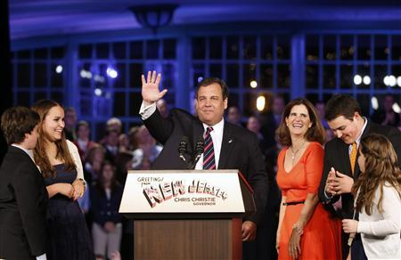 Republican New Jersey Governor Chris Christie addresses his supporters at his election night party in Asbury Park, New Jersey, November 5, 2013. REUTERS/Mike Segar