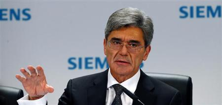 Germany's Siemens CEO Joe Kaeser addresses an annual news conference in Berlin November 7, 2013. REUTERS/Tobias Schwarz
