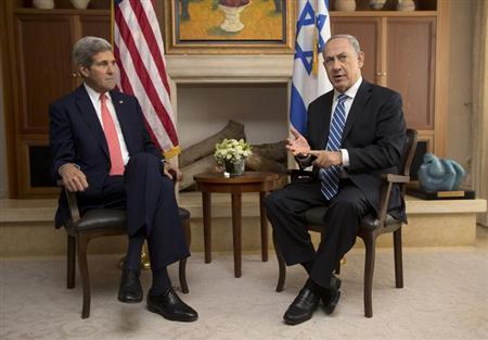 U.S. Secretary of State John Kerry (L) meets with Israel's Prime Minister Benjamin Netanyahu in Jerusalem November 6, 2013. REUTERS/Jason Reed