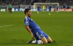Chelsea's Eden Hazard celebrates after scoring a goal against Schalke 04 during their Champions League soccer match in Gelsenkirchen October 22, 2013. REUTERS/Ina Fassbender