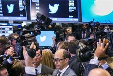Twitter CEO Dick Costolo is interviewed after the Twitter Inc. IPO on the floor of the New York Stock Exchange in New York, November 7, 2013. REUTERS/Lucas Jackson