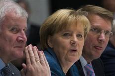 A presidente da Alemanha, Angela Merkel, durante conversas com o partido dos Socialistas Democratas (SPD), na última terça-feira, em Berlim. 05/11/2013 REUTERS/Thomas Peter