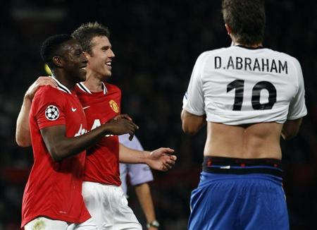 Manchester United's Danny Welbeck (L) celebrates scoring a goal with Michael Carrick against FC Basel during their Champions League Group C soccer match at Old Trafford in Manchester September 27, 2011. REUTERS/Eddie Keogh