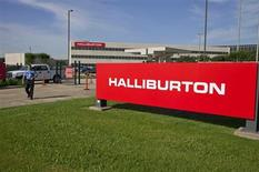 The company logo of Halliburton oilfield services corporate offices is seen in Houston, Texas April 6, 2012. REUTERS/Richard Carson