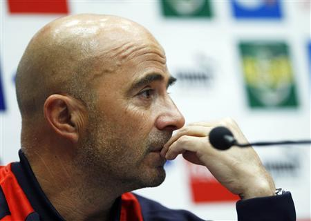 Chile manager Jorge Sampaoli attends a media conference at Wembley Stadium in London November 14, 2013. REUTERS/Eddie Keogh
