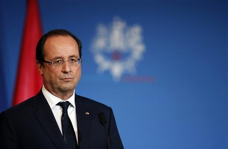 France's President Francois Hollande attends a news conference at the Oceanographic museum during a one day visit in Monaco, November 14, 2013. REUTERS/Eric Gaillard