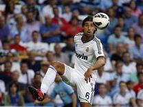 Real Madrid's Sami Khedira controls the ball during their Spanish first division soccer match against Granada at the Santiago Bernabeu stadium in Madrid September 2, 2012. REUTERS/Paul Hanna