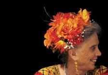 Foto de arquivo da escritora mexicana, Elena Poniatowska, durante o recebimento de um prêmio em Caracas, na Venezuela. Poniatowska conquistou o prêmio Cervantes 2013, anunciou nesta terça-feira o ministro da Educação, Cultura e Esporte da Espanha, José Ignacio Wert. 02/08/2007 REUTERS/Jorge Silva