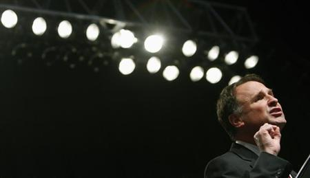 File picture of Virginia gubernatorial candidate Creigh Deeds speaking at a rally at Old Dominion University in Norfolk, Virginia, October 27, 2009. REUTERS/Jim Young