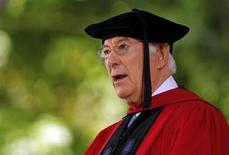 "Nobel prize winning poet Seamus Heaney recites his poem ""Villanelle for an Anniversary"" during the 361st Commencement Exercises at Harvard University in Cambridge, Massachusetts May 24, 2012. REUTERS/Brian Snyder"