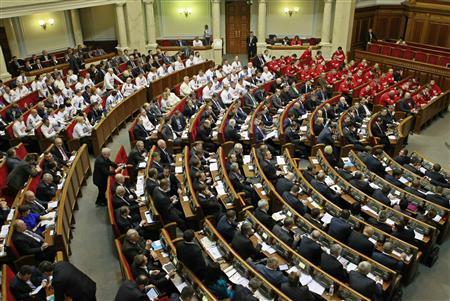 Deputies attend a session of parliament in Kiev November 21, 2013. REUTERS/Gleb Garanich