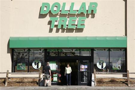 Shoppers enter a Dollar Tree store in Arvada, Colorado February 25, 2009. REUTERS/Rick Wilking