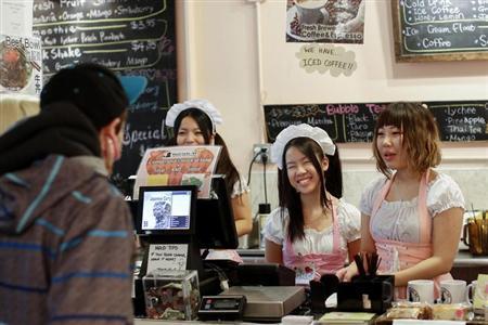 11月20日、米ニューヨークのマンハッタンにあるチャイナタウンに、米東海岸では初めてとなるメイドカフェがオープンし、人気を集めている(2013年 ロイター/Shannon Stapleton)